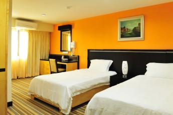 Melaka - Hallmark Hotel Inn Leisure : Deluxe Twin Room in Melaka - Hallmark Hotel Inn