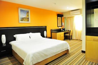 Melaka - Hallmark Hotel Inn Leisure : Deluxe Double Room in Melaka - Hallmark Hotel Inn