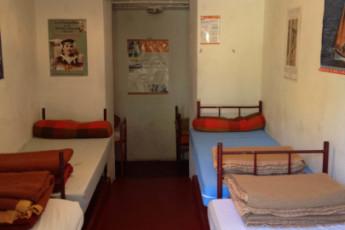 Auberge de jeunesse Hi Ile-de-Groix : dormitorio en la Ile-de-Groix hostal en Francia