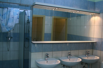 Samobor : Shower Cubicles in Samobor Hostel, Croatia