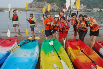 Jinshan Youth Activity Center : Watersports at the Local Beach surrounding Jinshan Youth Activity Center Hostel, Taiwan
