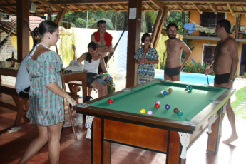 Pipa - Tibau do Sul - Pipa Hostel : People Relaxing in the Entertainment Area at Pipa - Tibau do Sul - Pipa Hostel
