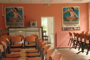 Auberge de jeunesse Hi Bourges : Dining area of Bourges Hostel in France