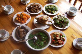 Longsheng - LongJi International YH : Dining at Longsheng - LongJi International YH, China