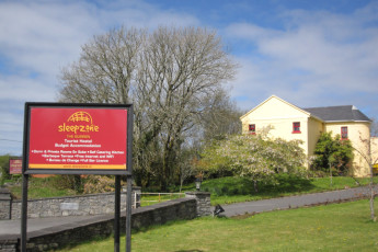 Lisdoonvarna - The Burren Hostel : Sign for the Lisdoonvarna - The Burren Hostel in Ireland