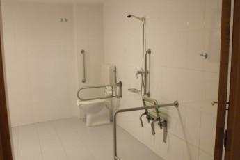 Fernán González : Miranda de Ebro shower disabled