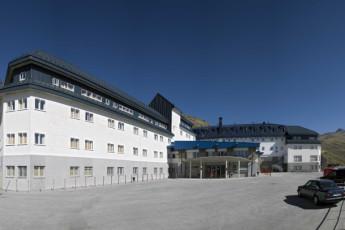 Albergue Inturjoven Sierra Nevada : Hostel Inturjoven Sierra Nevada front