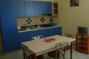 Guardavalle Marina - YH Borgorosso : Kitchen in the Guardavalle Marina - YH Borgorosso hostel in Italy
