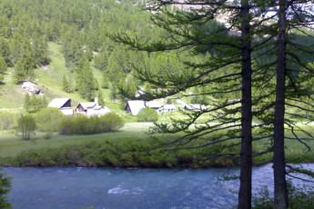 Serre - Chevalier Briancon : Local nature around the Briancon Serre Chevalier hostel in France