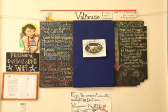 Valparaiso -  PataPata Hostel : Noticeboard in Valparaiso - PataPata Hostel, Chile