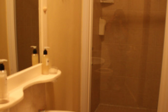 Myoli Beach - Afrovibe Adventure Lodge : Bathroom in Myoli Beach - Afrovibe Adventure Lodge Hostel, South Africa
