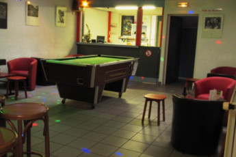 Auberge de jeunesse Hi Belle Ile En Mer : Bar area in the Belle Ile En Mer Hostel in France