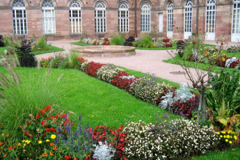 Saverne : Gardens of the Saverne Hostel in France