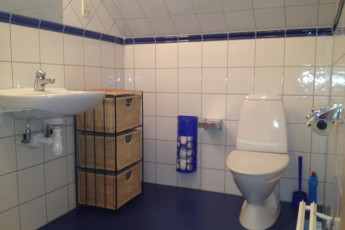 Åhus : Ahus bathroom