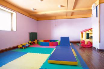 Nuria - Pic de L'Aliga : Nuria Pic of Aliga play room