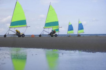 Oostduinkerke - De Peerdevisser : Oostduinkerke De Peerdevisser beach sports