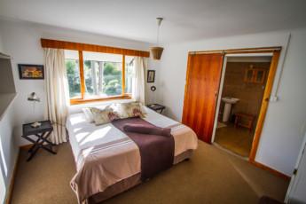 Tsitsikamma - Tsitsikamma Backpackers : Double Ensuite Room in Tsitsikamma - Tsitsikamma Backpackers Hostel, South Africa