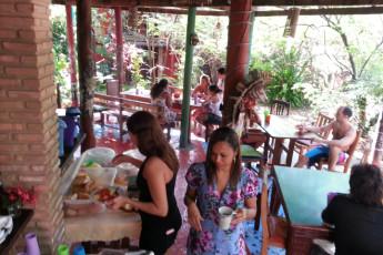 Imbassaí - Eco Hostel Lujimba : Dining in Imbassai - Eco Hostel Lujimba