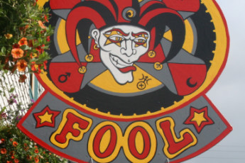 HI-Cumberland - Riding Fool Hostel : Sign to the HI-Cumberland- Riding Fool Hostel in Canada