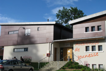 Auberge de jeunesse Hi Pontarlier : Exterior to the Pontarlier hostel in France