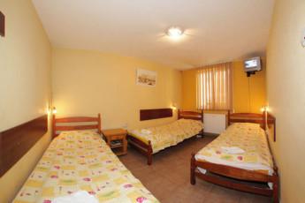 Cluj-Napoca - Retro Hostel : Dorm room in Cluj-Napoca - Retro Hostel, Romania