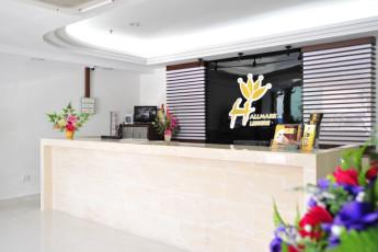 Melaka - Hallmark Hotel Leisure : Reception Desk in Melaka - Hallmark Hotel Leisure Hostel, Malaysia