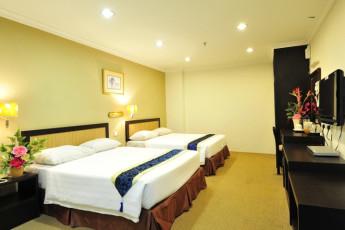 Melaka - Hallmark Hotel Leisure : Family Suite in Melaka - Hallmark Hotel Leisure Hostel, Malaysia