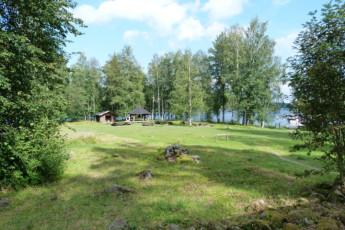 Savonlinna - Linnansaari huts : Gardens at the Savonlinna - Linnansaari huts hostel in Finland