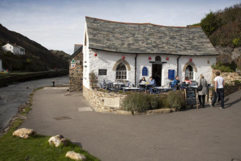 YHA Boscastle : YHA Boscastle Outdoor Area