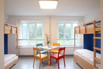 Prora mit Zeltplatz : Dorm Room in Prora - Youth Hostel Prora, Germany