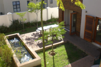 Stellenbosch - Banghoek Place : Patio and Garden Area in Stellenbosch - Banghoek Place Hostel, South Africa
