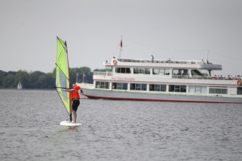 Bad Zwischenahn : Bad Zwischenahn hostel in Germany windsurfing activity