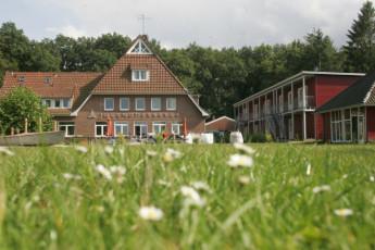 Bad Zwischenahn : Bad Zwischenahn hostel in Germany exterior view
