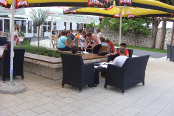 Zadar : Zadar hostel in Croatia outside seating
