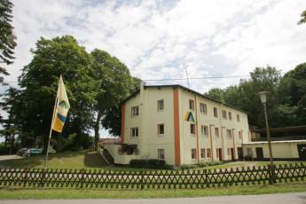 Barth - Reiterhof mit Zeltplatz : Barth hostel in Germany exterior