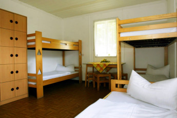 Barth - Reiterhof mit Zeltplatz : Barth hostel in Germany dorm