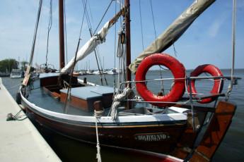 Barth - Reiterhof mit Zeltplatz : Barth hostel in Germany boat cruise