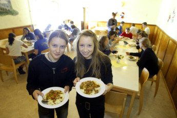 Dahmen : Dahmen hostel in Germany dining children