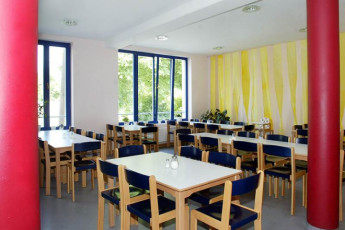 Greifswald : Greifswald hostel in Germany dining room