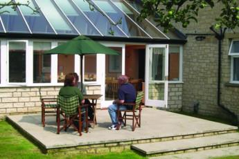 YHA Helmsley : YHA Helmsley hostel in England patio