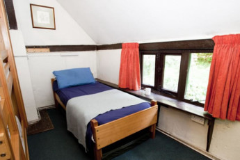 YHA Tanners Hatch : YHA Tanners Hatch hostel England private bedroom