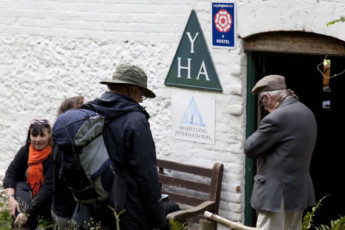 YHA Tanners Hatch : YHA Tanners Hatch hostel England guests