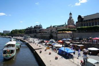 Dresden JGH : Dresden JGH hostel in Germany river attractions