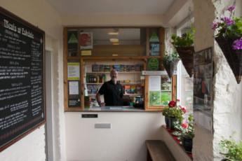 YHA Eskdale : YHA Eskdale hostel in England cafe