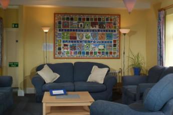 YHA Leominster : Leominster hostel in England lounge