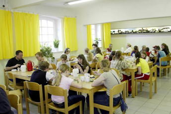 Burg Stargard : Burg Stargard hostel in Germany dining room