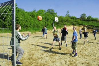 Burg Stargard : Burg Stargard hostel in Germany football activity