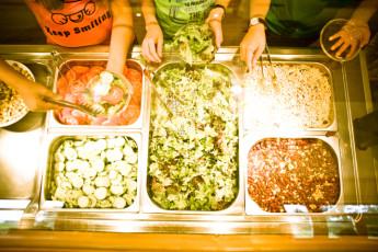 Oberstdorf - Kornau : Oberstdorf - Kornau Hostel salad buffet