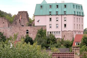 Pforzheim - Dillweißenstein : Pforzheim - Dillweissenstein hostel building