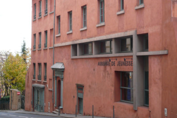 Auberge de jeunesse Hi Lyon : Exterior of the Lyon Hostel in France